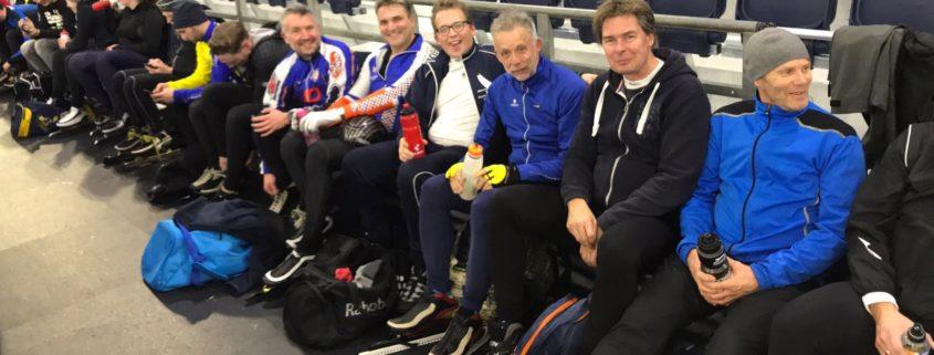 Team Zeilmakerij Molenaar uit Grou tijdens trainingssessie in Thialf Heerenveen.