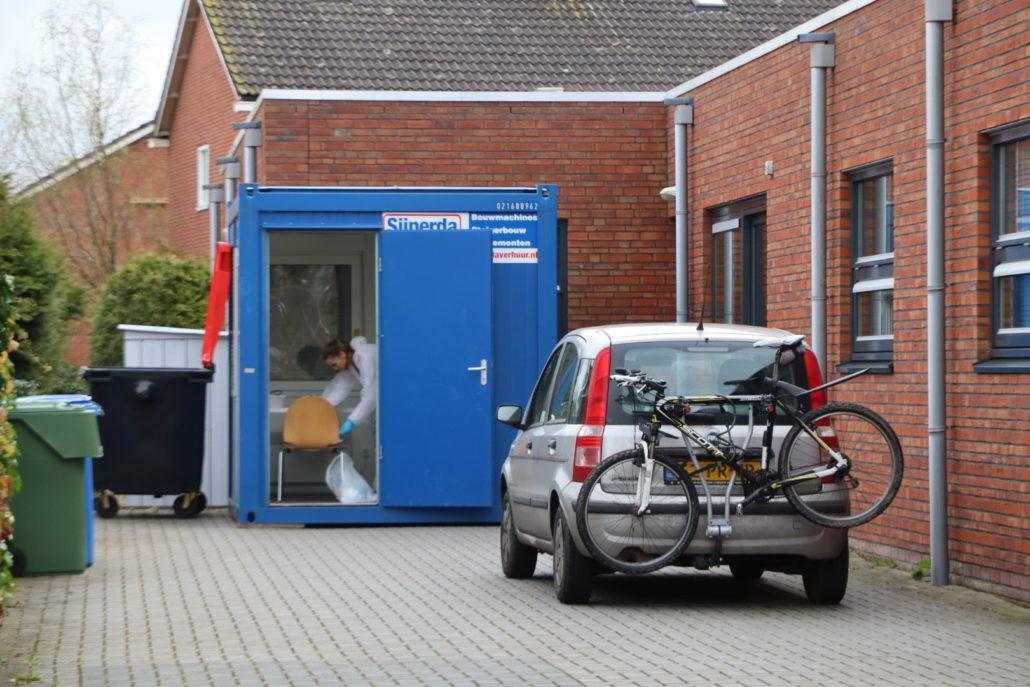 blauwe containter huisartsenpost Grou