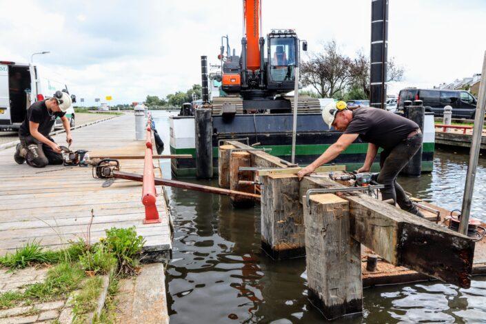 Werkzaamheden aan noodbrug Meersweg Grou. Foto: Press4All
