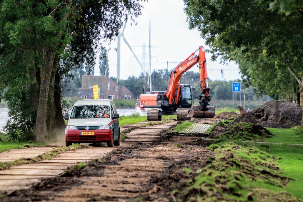Vernieuwing voetpad Margrietkanaal Grou.