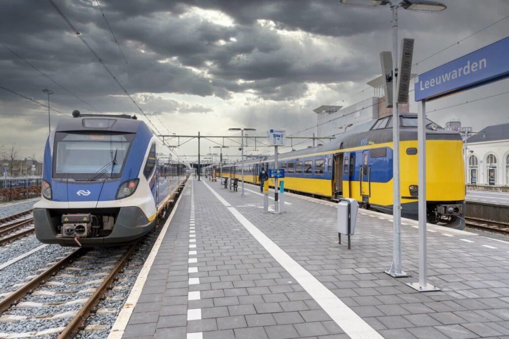 Friese Sprinter van Leeuwarden via Grou naar Zwolle