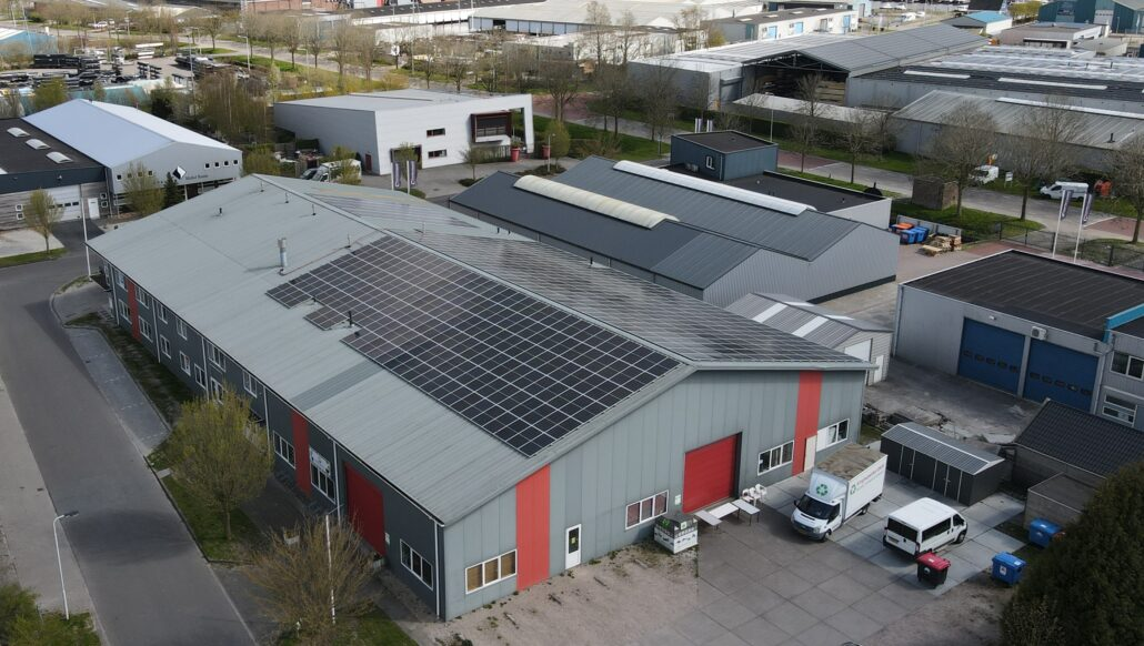 Dronefoto Kringloopwinkel Grou